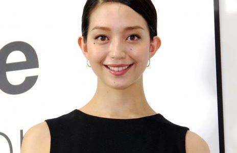 松島花の旦那は一般男性で家事担当か。結婚早々の顎骨折で夫のDV説が浮上!